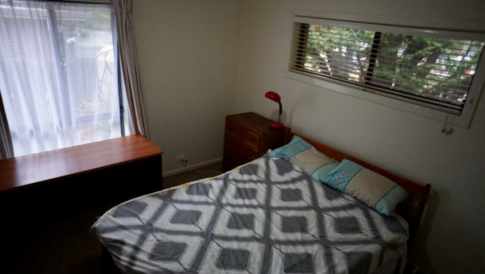 Bedroom Available for uni students near UNE