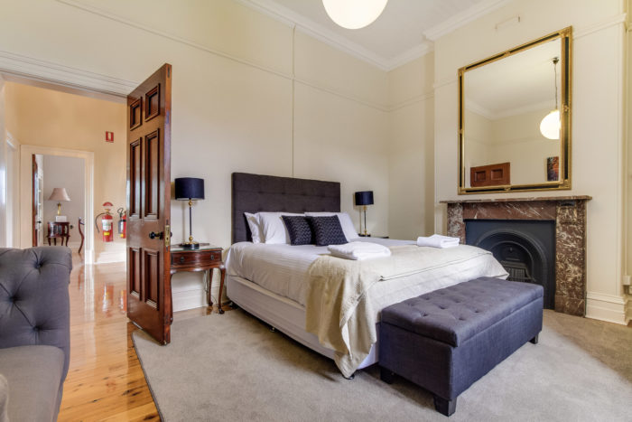 Additional bedroom with king bed